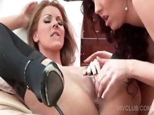 Superb lesbo pussy finger fucked