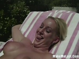 Hot Blonde Want Her Pussy Licked